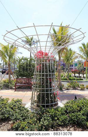 Large Round Flower Trellis