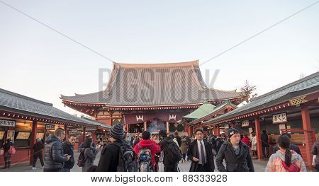 Many Of Tourist Visit Around Senjoji Temple In Japan