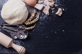pic of slating  - Dough and ingredients for it  - JPG