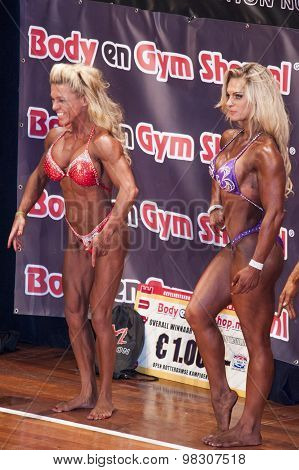 Female Bodybuilders Showing Their Best On Stage