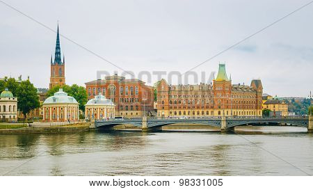 The Vasa Bridge to Gamla stan over Norrstrom, with the Riddarhol