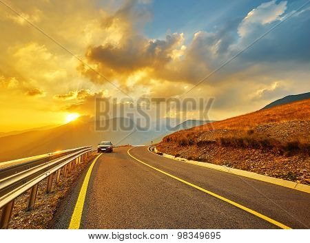 Mountain Road Travelling