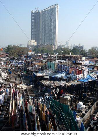 ^Dhobi Ghat laundry slum