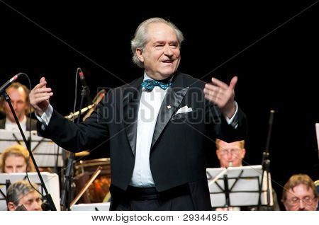 Conductor Peter Guth