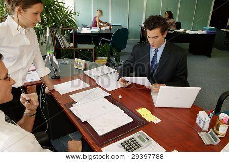 eine geschäftige Büro