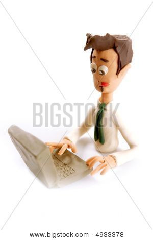 Plasticine handgemaakte zakenman met Laptop