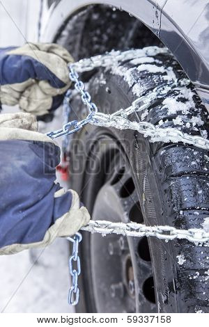 Mounting Snow Chains