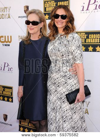 LOS ANGELES - JAN 16:  Meryl Streep & Julia Roberts arrives to the Critics' Choice Movie Awards 2014  on January 16, 2014 in Santa Monica, CA