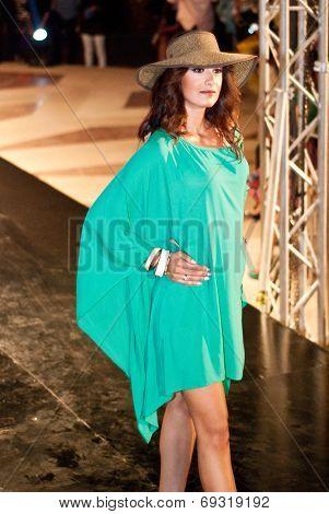 Fashion Show For Nancy Naguib Model 05