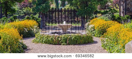 Garden Fountain Panorama