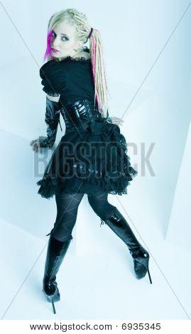 mulher com dreadlocks