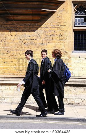 Oxford students walking along street.