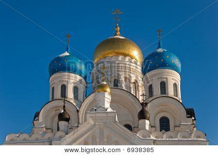 Nikolo-Ugreshsky Monastery.