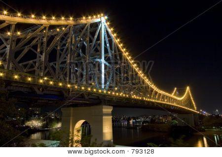 Story-Brücke bei Nacht