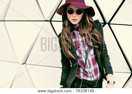 Girl In Vintage Hat And Sunglasses On A City Street. Fashion Style
