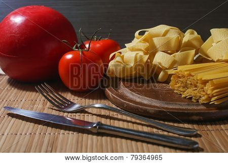 Italian Pasta With Tomatoes And Head Cheese
