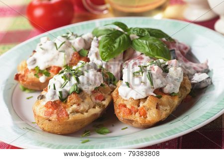 Roasted potato stuffed with vegetables and cream
