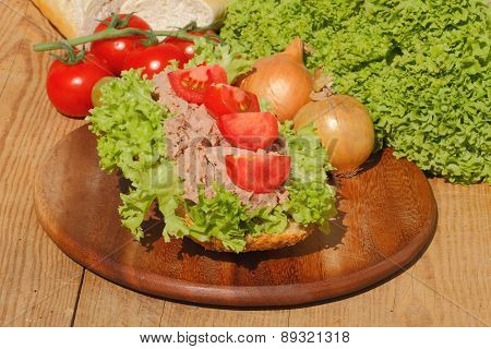 Fish Rolls With Tuna Fillet Garnished With Lettuce