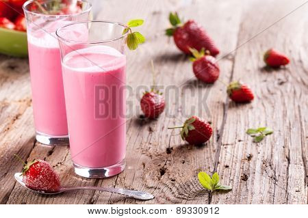 delicious healthy strawberry smoothie