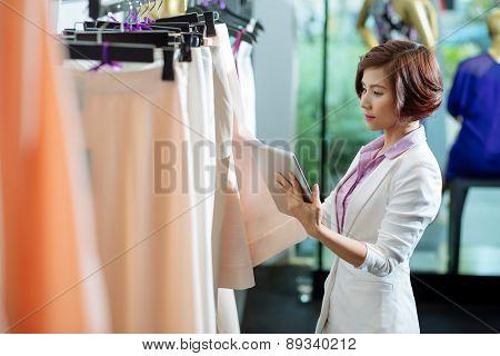 Choosing skirt