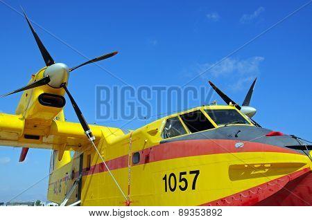 Canadair CL415.
