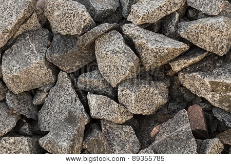 Sharp pebbles in a formation