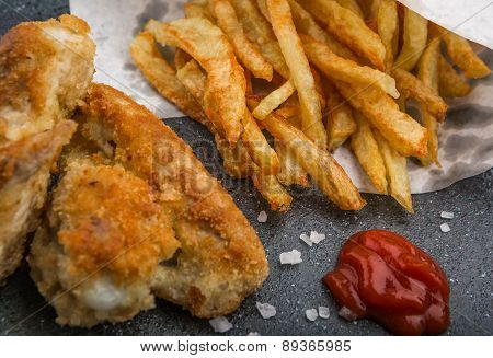Crisp Crunchy Golden Chicken Wings French Fries