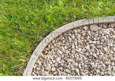 Corner of gravel garden path - construction detail