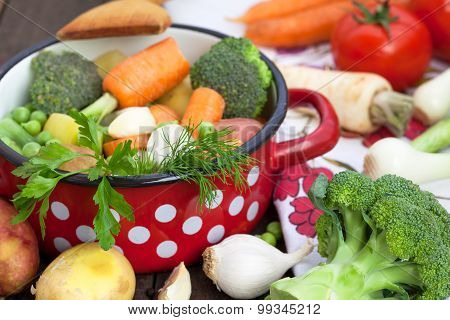 Mixed vegetables in the pot