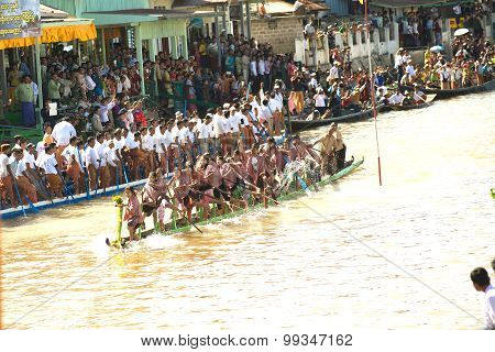 Peoples Paddle By Legs Racing In Phaung Daw Oo Pagoda Festival,Myanmar.