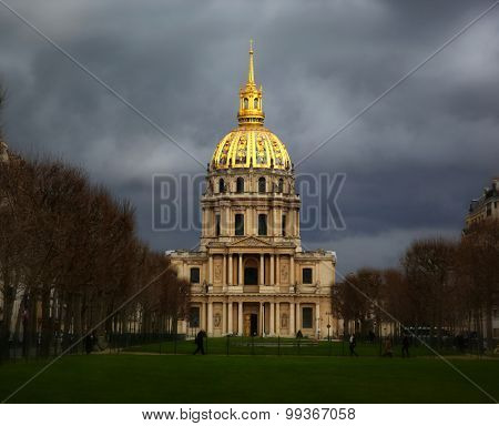 Les Invalides building before a storm