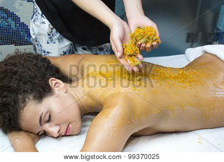 processes honey massage
