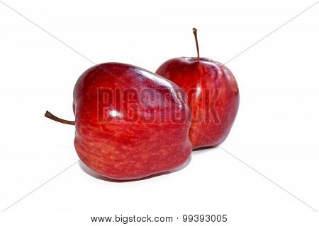 The Red apple isolate on white background