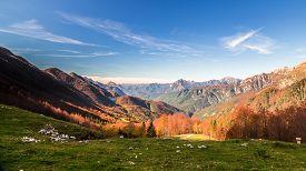 pic of italian alps  - Fall is coming in the italian alps - JPG