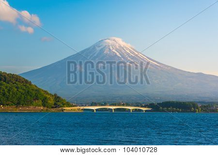 Lake Kawaguchiko With Mount Fuji On Sunset