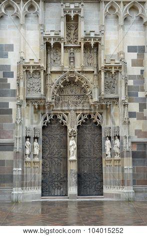 Saint Elisabeth Cathedral Portal