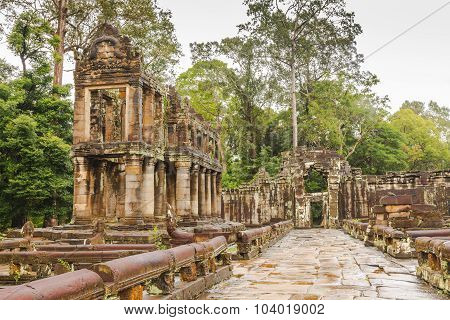 Building With Cylindrical Columns In Preah Khan Temple