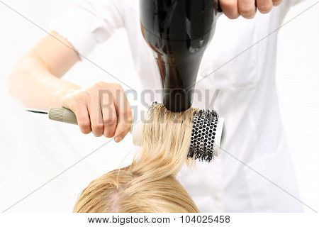 Combing the hair drying brush