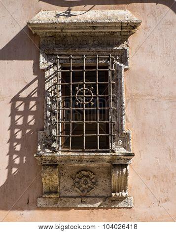 Window, Assisi
