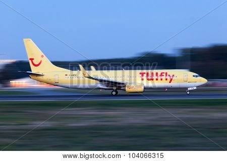 Tuifly Boeing 737-800 At The Runway