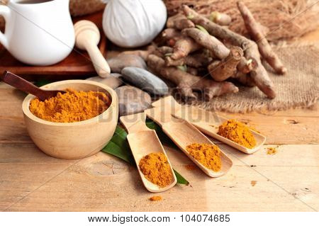Phlai Herb, Cassumunar Ginger Both Fresh And As A Powder For The Skin Scrub.