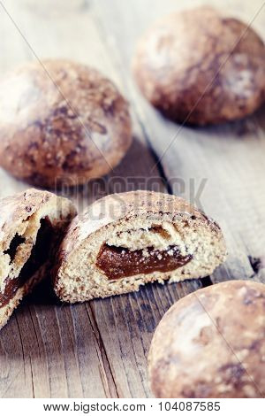 Gingerbread With Filling
