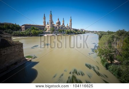 El Pilar basilica by the Ebro River, wide angle