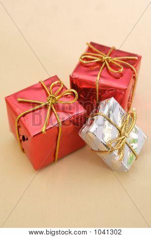 Presents 6
