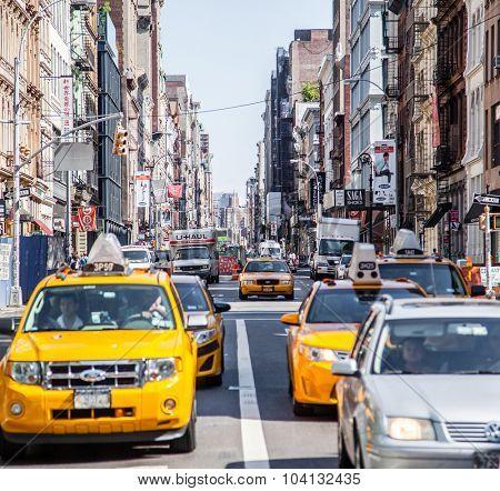 NEW YORK CITY, USA - CIRCA SEPTEMBER 2014: Street scene in New York City