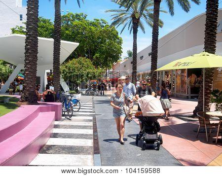 MIAMI,USA - AUGUST 8,2015: Lincoln Road, a tourist landmark and shopping boulevard in Miami Beach