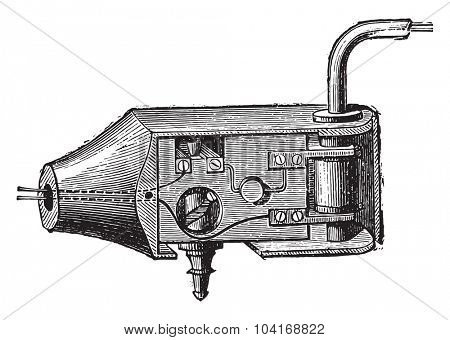 Articulation with tap, vintage engraved illustration. Industrial encyclopedia E.-O. Lami - 1875.