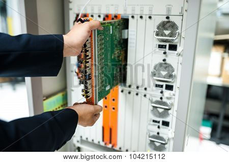 Fix Network Switch In Data Center Room