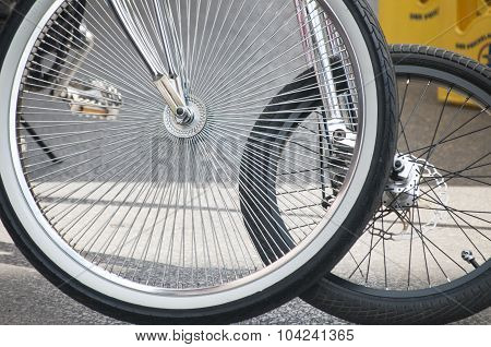 Bicycle front wheels