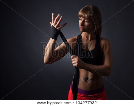 Fitness Women Applys Bandages